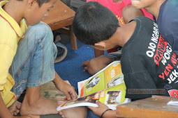 Aktivitas pembaca setiap sore hari