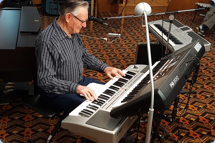 Our guest artist, Roy Steen, playing his Korg Pa80 and Korg Pa300. Great music thanks Roy.
