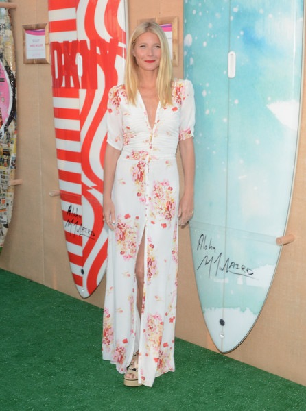 Gwyneth Paltrow Moet Chandon Toasts Paddle