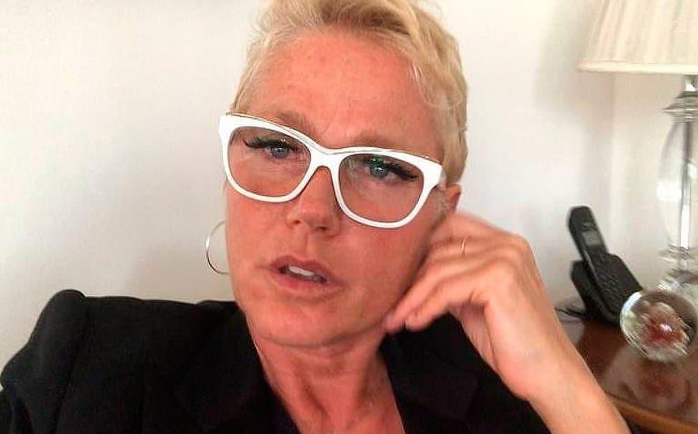 """Xuxa chama apoiadores de Bolsonaro de """"babacas"""" e """"bando de machistas, homofóbicos"""""""