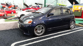 1:24 Toyota Yaris (Vitz) in dark blue