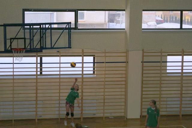 Zawody siatkarskie dziewczat 1 marca 2011 - DSC09329_1.JPG