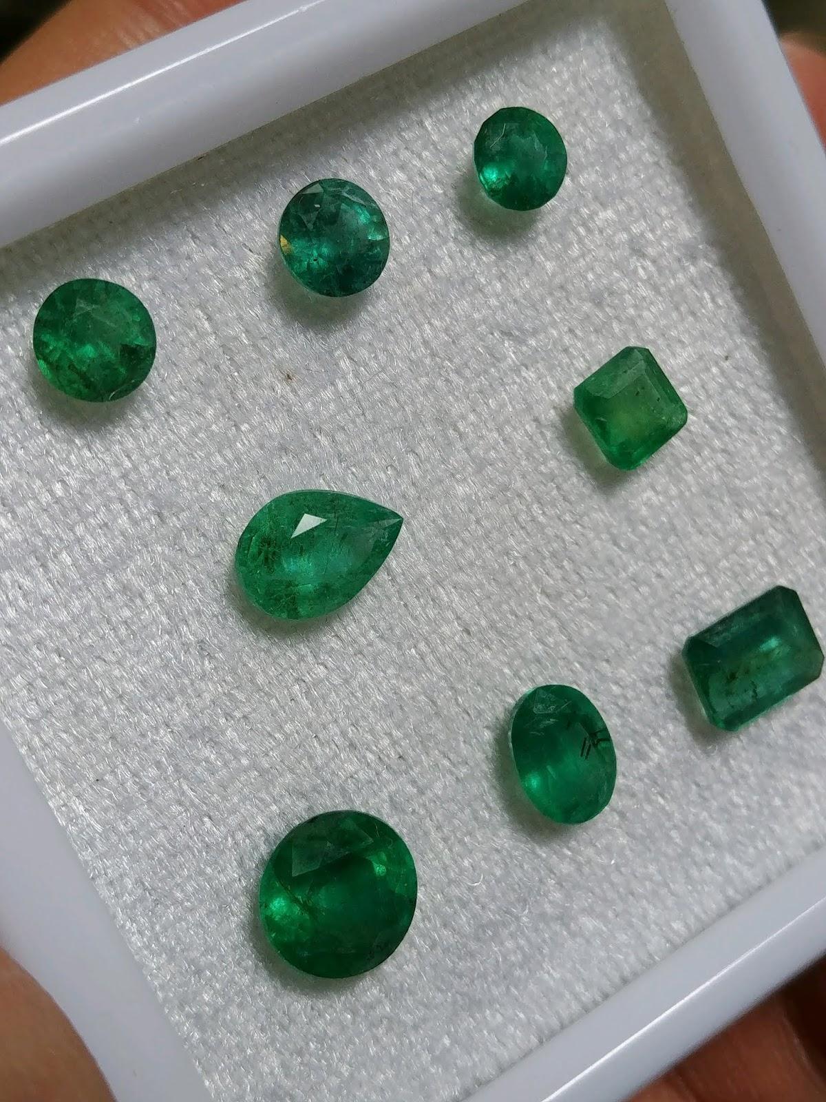 Đá Emerald Ngọc Lục Bảo thiên nhiên hàng Colombia xanh đẹp