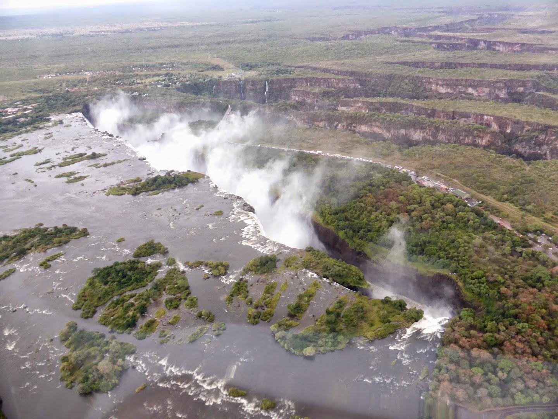 Victoria watervallen vanuit een helikopter