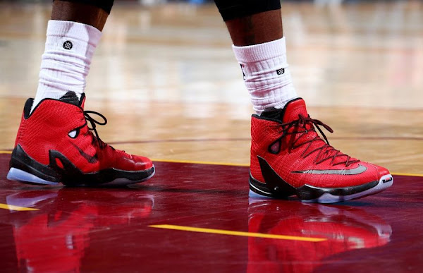 James Debuts University Red LeBron 13 Elite in Playoffs Opener
