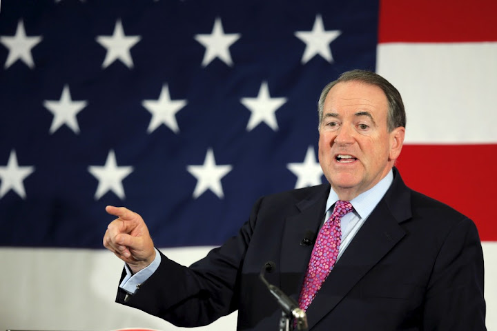 Huckabee to Bush 41/43: get out of the GOP