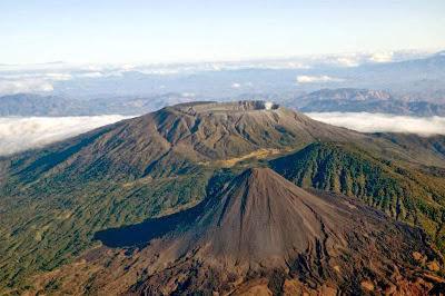 Volcán de Izalco, Cerro Verde y Volcán de Santa Ana