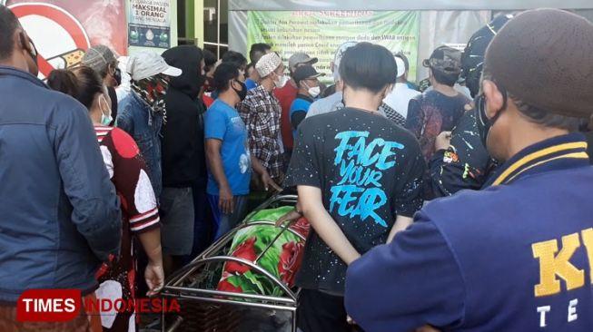 Ratusan Warga Geruduk Rumah Sakit di Probolinggo Jemput Paksa Jenazah Suspek Covid-19