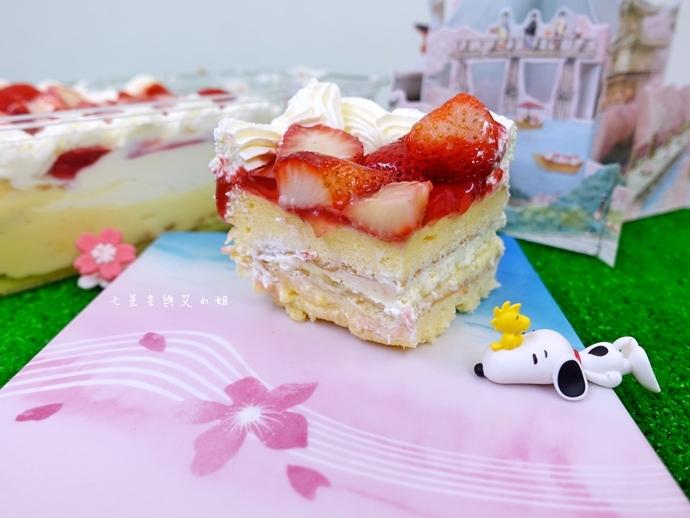 9 好市多必買 新鮮草莓千層蛋糕