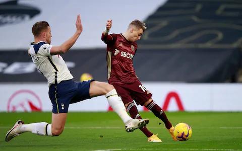 Tottenham Defeats Leeds United 3-0 To Close Gap In Title Race