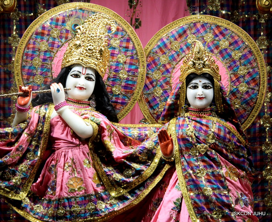 ISKCON Juhu Mangala Deity Darshan 09 April 2016 (25)