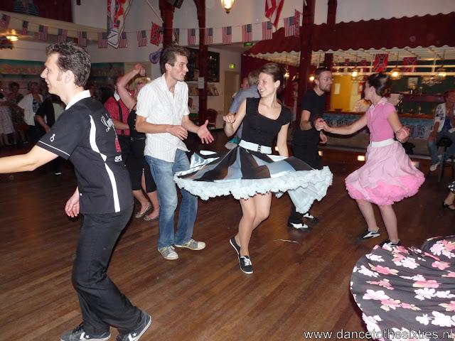 15 jaar dance to the 60's rock and roll dansschool voor danslessen, dansdemonstraties en workshops (457).JPG