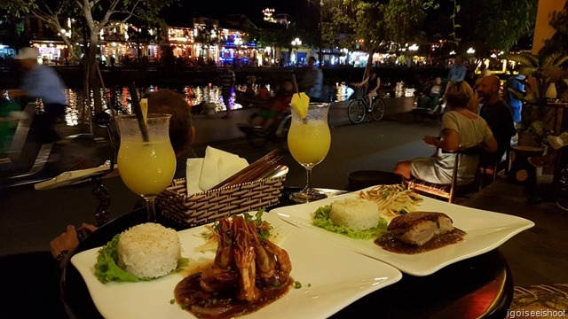 A happy hour cocktail, followed by delicious main course, dessert and plenty of people watching was a good way to spend the evening at Copper Pot Restaurant & Bar in Hoi An.