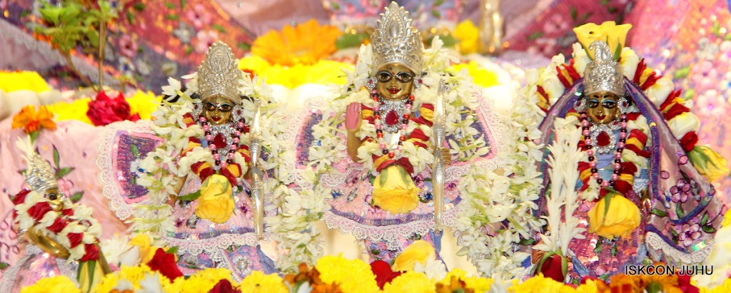 ISKCON Juhu Sringar Deity Darshan on 30th June 2016 (39)