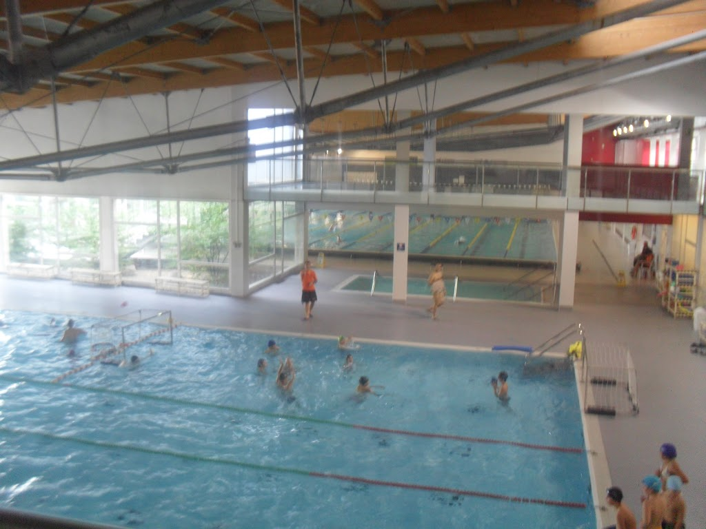Cs can font i piscina de manresa escola mare de d u de for Piscina municipal manresa