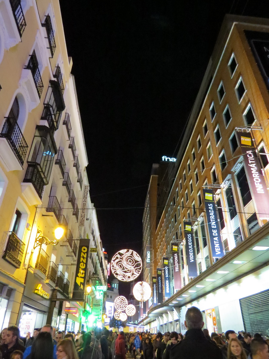 La Iluminaci 243 N Navide 241 A Del Centro De Madrid En El Puente