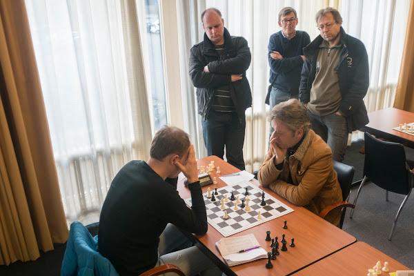Willem Sipkema en Marcel Pouw tegen het einde van de partij