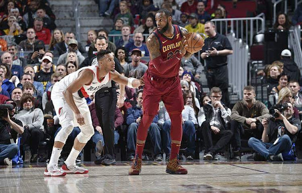 LBJ Debuts His 20th Colorway of Nike LeBron 15 in Cavs Win