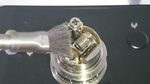 DSC 2471 thumb%25255B2%25255D - 【小物/ビルド】「Coilmaster Vape Brush(コイルマスター ブラシ付きコイルジグ)」レビュー。ドライバーン時のガンク除去+コイルジグの便利優れものビルド小道具!
