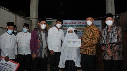 Tim Safari Ramadhan Berkunjung, Masjid Raya Talang Dapat Bantuan Semen, Uang dan Al Quran