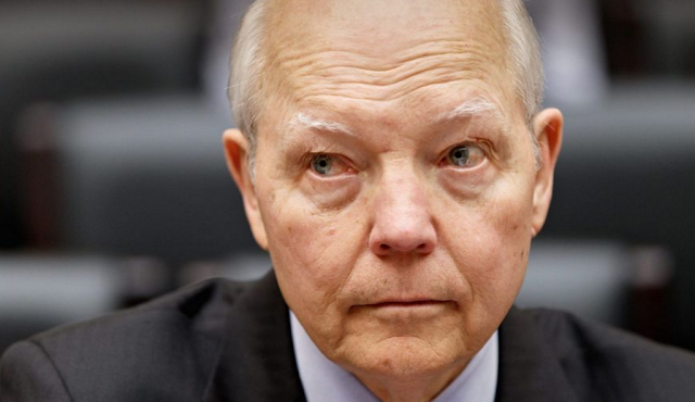 GOP conservatives at odds with leadership over IRS scandal