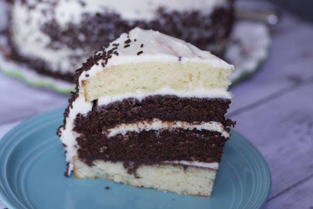 BONGOLIVES | chocolate na vanilla cake