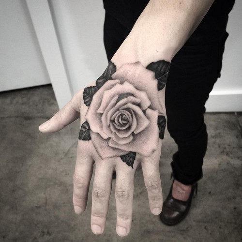 este_magnfico_mo_de_rose_tattoo