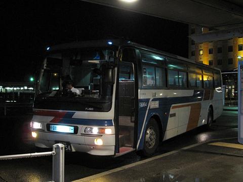 函館バス「函館江差線」 T3384