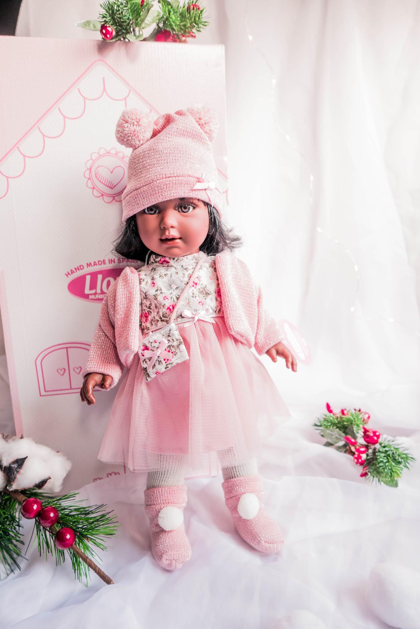 ciemnoskóra lalka dla dzieci