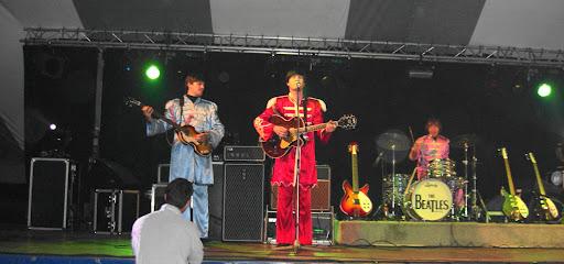 2008 Beatles Revival Wiellawaai 3.JPG