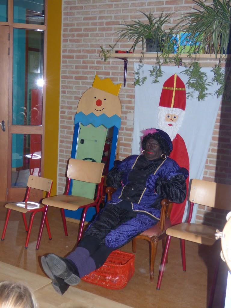 Sinterklaas op bezoek - P1060477.JPG