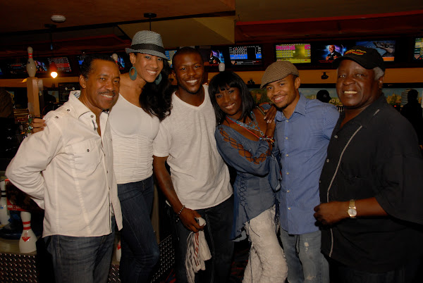 KiKi Shepards 8th Annual Celebrity Bowling Challenge (2011) - DSC_0686.JPG