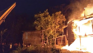 Satu Unit Rumah Panggung di Rano Habis Dilalap Api