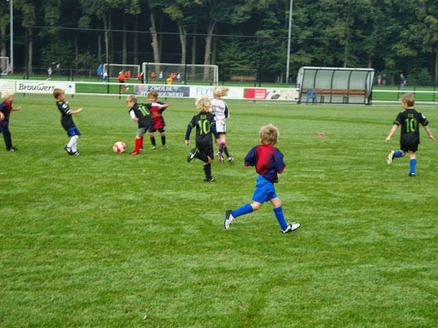 CL 05-10-13 (Kabouters) - Kaboutervoetbal%2B010.JPG