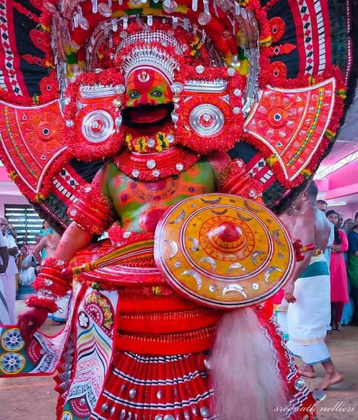 Shree Vettakkorumakan Theyyam