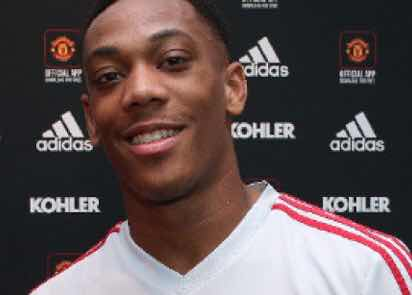 Official: Martial with Man United until 2024