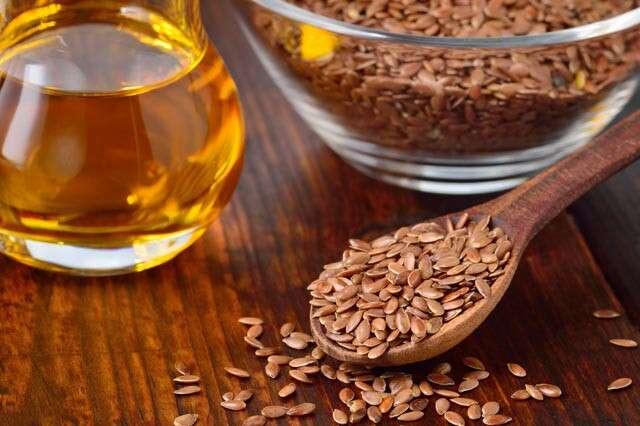 فيتامين ب الموجود في بذور الكتان مفيد للشعر