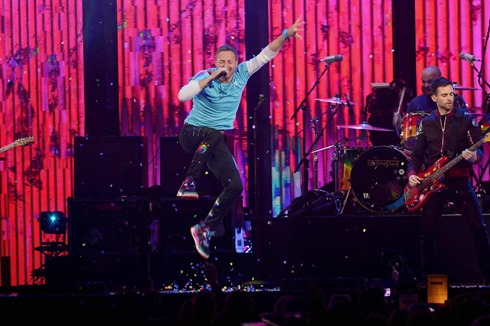 February 22, 2017 - ..Chris Martin of Coldplay..The Brit Awards, Show, O2 Arena, London, UK - 22 Feb 2017. (Credit Image: © Silverhub/Rex Shutterstock via ZUMA Press)
