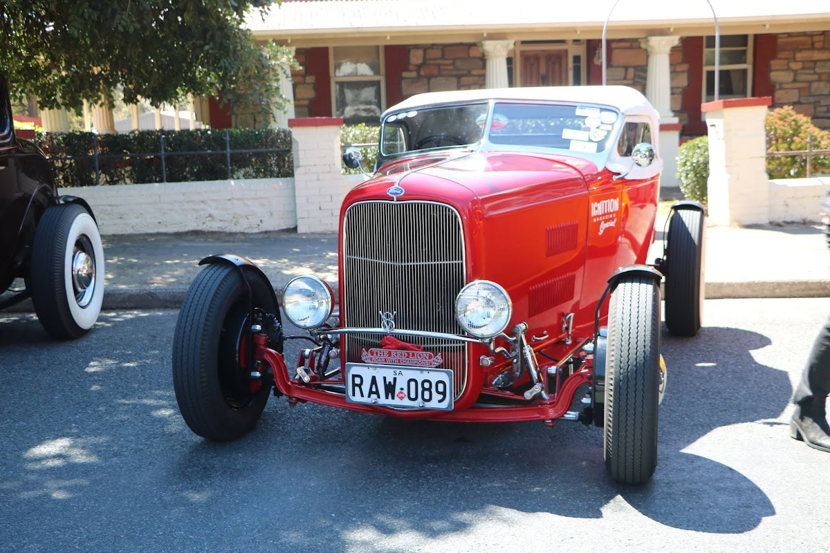 Ford Coupe (Red) (01).jpg