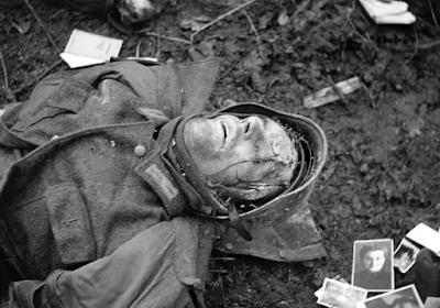 dead soldier in WWII
