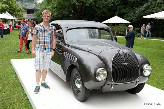 Auf den 935 habe ich mich am meisten gefreut. Erstmals wurde das fast fertig restaurierte Auto gezeigt.