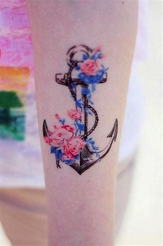 feminino_tatuagem_de_ncora