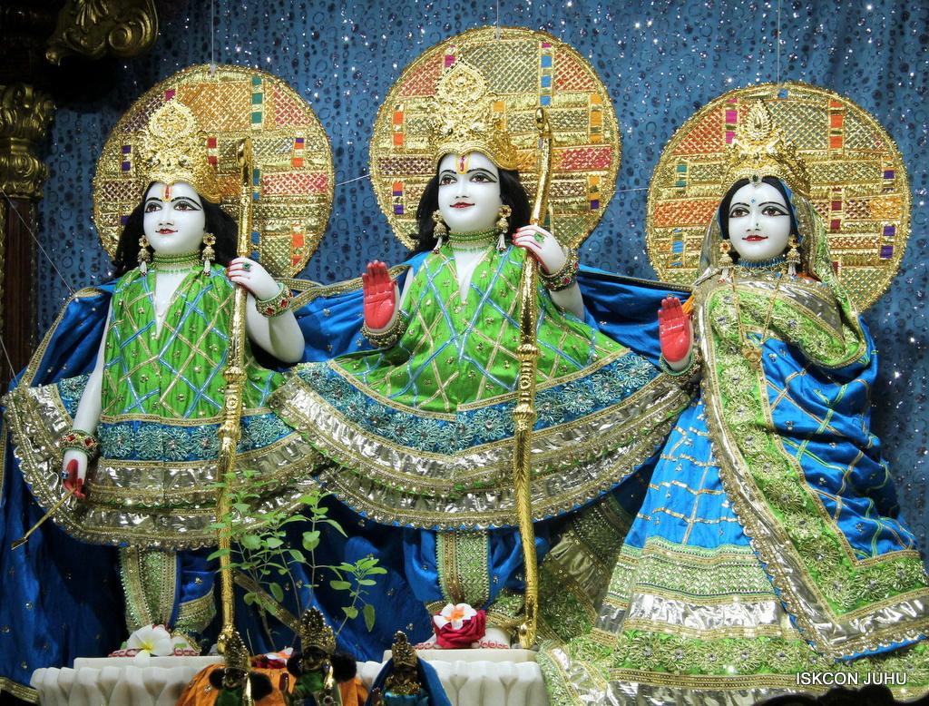 ISKCON Juhu Mangal Deity Darshan on 5th Sep 2016 (4)