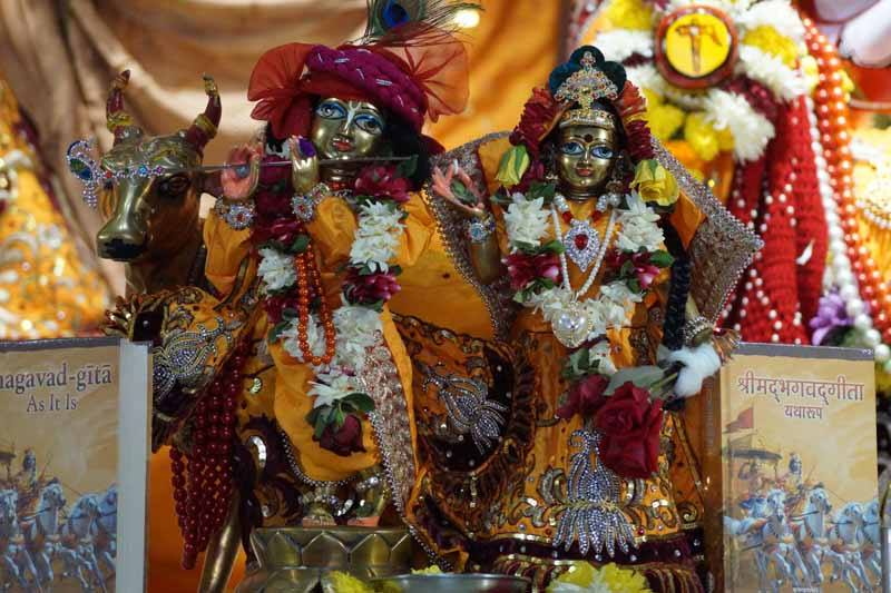 ISKCON Noida Deity Darshan 18 Dec 2015 (6)
