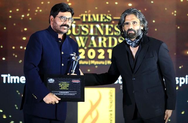 MRG Group chairman Prakash Shetty bags times award | ಟೈಂಸ್ ಬ್ಯುಸಿನೆಸ್ ಅವಾರ್ಡ್ ಮುಡಿಗೇರಿಸಿದ ಎಂಆರ್ಜಿ ಸಮೂಹದ ಕೆ.ಪ್ರಕಾಶ್ ಶೆಟ್ಟಿ