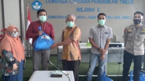 Peduli Anak Yatim dan Karyawan, KPN Kopertis Wilayah X Bagi-bagi Paket Sembako