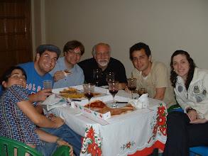 Photo: Izq-Der: Lizeth, Efraim, Dionisio, Alvaro (papa de Efra), Timoteo y Ada Rebeca