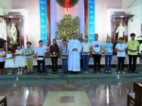Hình ảnh trại hè giáo lý, nghi thức bao đồng cho các em KT3 và lên đường cho VDD3 của giáo xứ Khiết Tâm