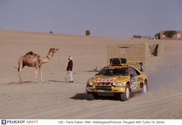 126 - Paris Dakar 1990. Waldegaard/Fenouil. Peugeot 405 Turbo 16. 2ème