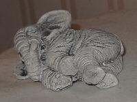381 01-figurine pierre
